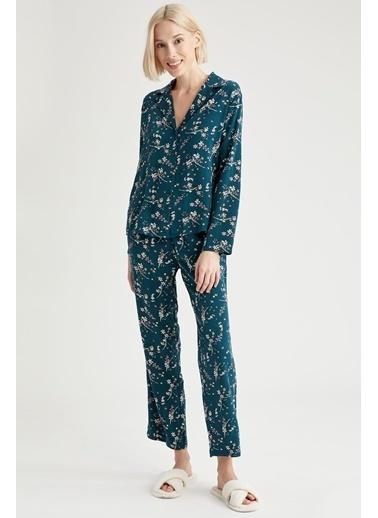 Defacto –Fit Egzotik Çiçek Baskılı Gömlek Tasarımlı V Yaka Pijama Üstü Yeşil